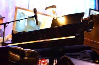 piano shot PoW
